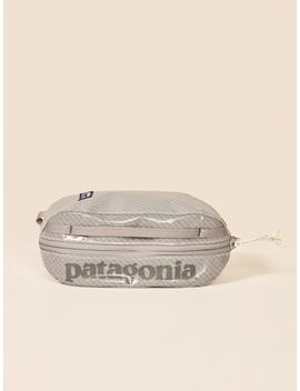 Patagonia Black Hole Small Cube by Reformation