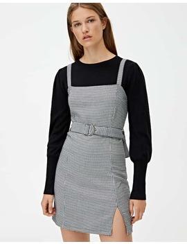 Sukienka Z Prostym Dekoltem I Paskiem by Pull & Bear
