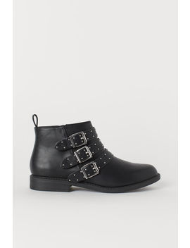Boots Med Nitter by H&M