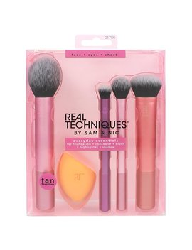 Real Techniques Everyday Essentials Cosmetic Brush Set   5 Piece by Real Techniques
