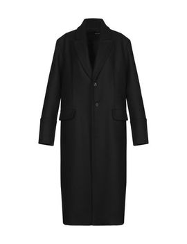 Coat by Isabel Benenato
