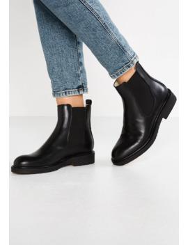 Classic Ankle Boots by Billi Bi