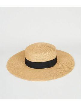 Tan Straw Effect Floppy Hat by New Look