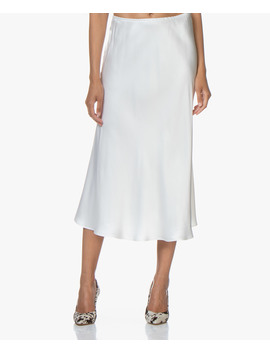 Frivo Satijnen Midi Rok • Off White by Resort Finest