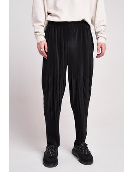 Black Pleated Trousers In Relaxed Fit by Jaded London