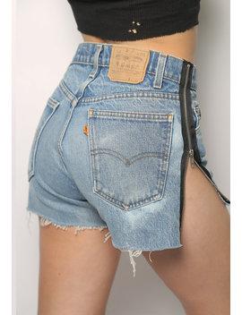 Side Zip Levi's Denim Shorts by Iamkoko