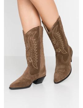 Emily   Cowboy/Biker Boots by Vagabond