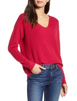 V Neck Pullover by Chelsea28