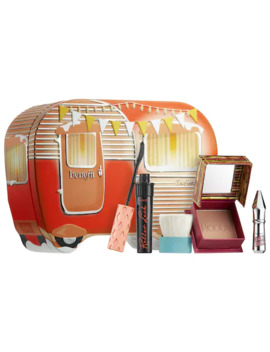 I'm Hotter Outdoors Holiday Value Set by Benefit Cosmetics