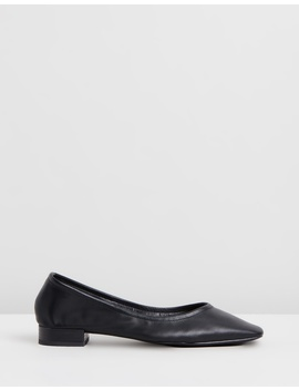 Adrianna Flats by Spurr