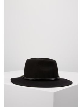 Audine Hat   Hat by Opus