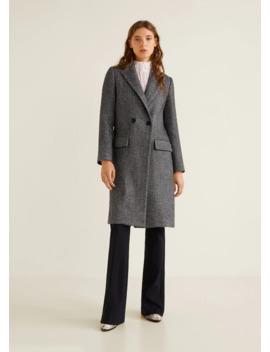 Παλτό σε αυστηρή γραμμή με γιακά by Mango