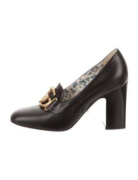 Victoire Leather Pumps by Gucci
