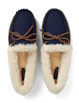 Cozy Moccasin Slippers by Miiyu