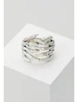 Skeleton Hands   Ringar by Serge De Nimes