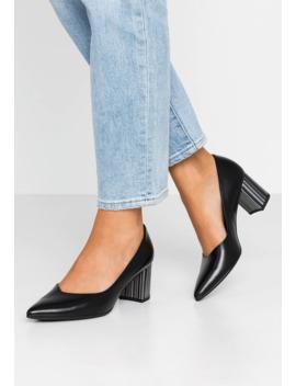 Naja   Classic Heels by Peter Kaiser