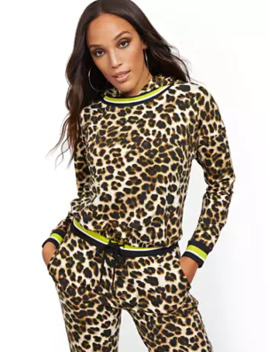 Leopard Print Hooded Sweatshirt   Soho Street by New York & Company