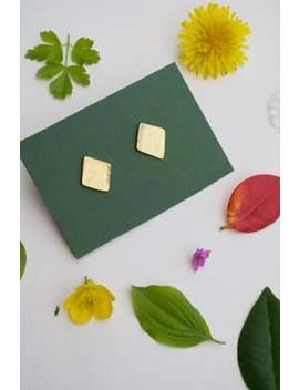Orecchini Piccoli A Forma Di Rombo Minimal   Realizzati A Mano In Ottone Cotto   Color Oro Superficie Martellata Con Texture Irregolare by Etsy