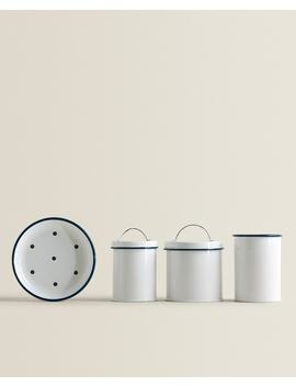 Enamelled Bathroom Set by Zara Home