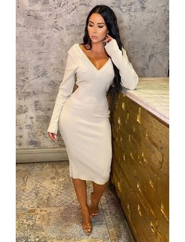 Stone Ribbed V Neck Midi Jumper Dress   Ivy by Femme Luxe