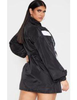 Plt Plus   Robe Souple Ceinturée Noire à Parties Contrastées  by Prettylittlething