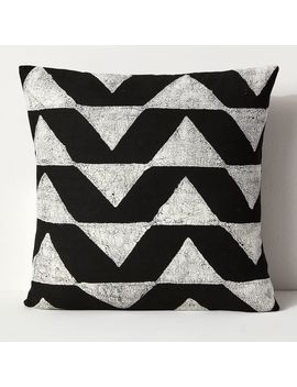 Sadza Batik Triangles Pillow Cover   Black by West Elm