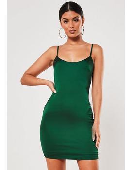 Vestido Corto Ajustado De Satén En Verde by Missguided