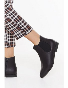 Flat Out Ankle Chelsea Boots by Nasty Gal