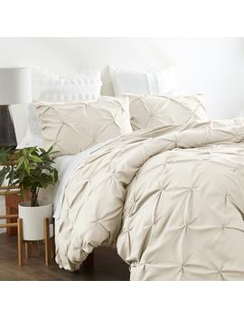 Noble Linen's 3 Piece Pinch Pleat Duvet Cover Set by Noble Linens