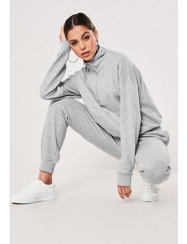 Set Aus Sweatshirt Mit Hohem Kragen Und Jogginghose Mit Taschen In Grau by Missguided