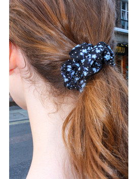 Black And Blue Flower Scrunchie by Brandy Melville