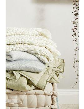 Isla Chunky Ecru Throw Blanket by Urban Outfitters
