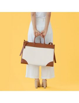 Concourse Boarding Bag, White by Mark & Graham