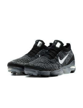 Air Vapormax Flyknit 3 by Nike