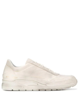 dirty-white-sneakers by common-projects