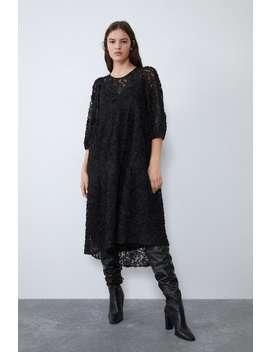 klänning-med-volym by zara