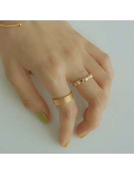 Lonzo Basic Ring by Jessica Buurman