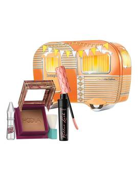 I'm Hotter Outdoors Cofre De Navidad by Benefit Cosmetics