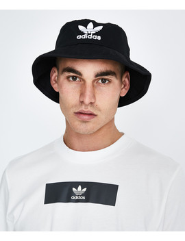 Trefoil Bucket Hat Black by Au