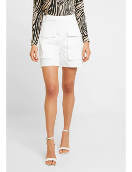 front-pocket-detail---short by missguided