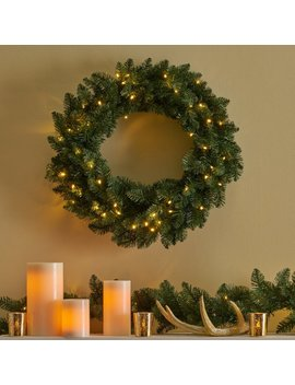 "24""-lighted-christmas-wreath by the-holiday-aisle"