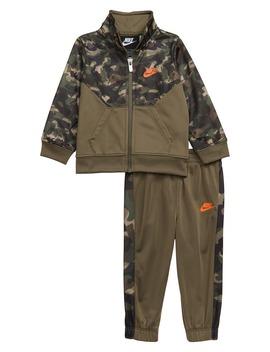 camo-tricot-zip-jacket-&-pants-set by nike