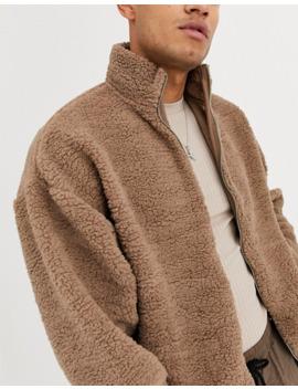 chaqueta-de-chándal-extragrande-con-borreguito-en-marrón-de-asos-design by asos-design