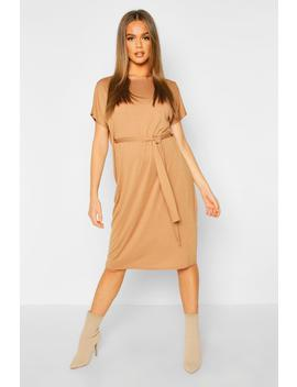 tie-waist-curve-hem-t-shirt-dress by boohoo