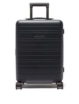 h5-cabin-suitcase by horizn-studios