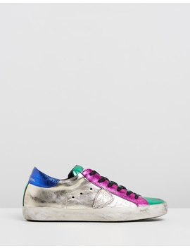 clld-sneakers by philippe-model