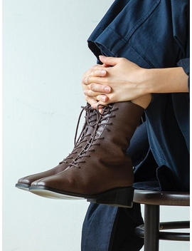 Kyle Worker Boots Brown by Byeuuns
