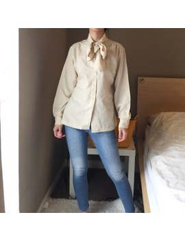 vintage-queen's-way-to-fashion-tie-front-blouse by vintage