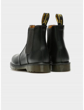 Unisex 2976 Chelsea Boot In Black by Dr Martens