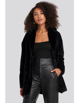 tyra-faux-fur-jacket-schwarz by rutcircle